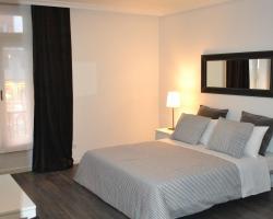 Room Gran Vía Apartments