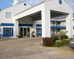 American Inn and Suites White Hall