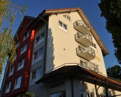 KIRCHERS PARK-HOTEL KAISERSTUHL**** Garni