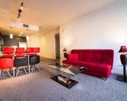 Wilshire Getaway Apartment