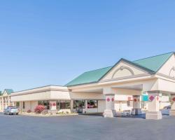 Ramada by Wyndham Grayling Hotel & Conference Center