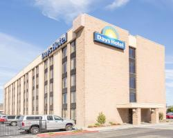 Days Hotel by Wyndham Oakland Airport-Coliseum
