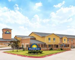 Days Inn by Wyndham Rockdale Texas