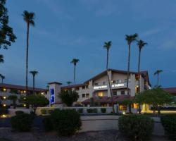 Days Inn & Suites by Wyndham Tempe