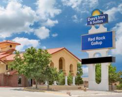 Days Inn & Suites by Wyndham Red Rock-Gallup