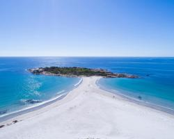 Diamond Island Resort & Bicheno Penguin Show