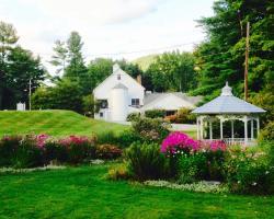 1896 House Country Inn - Brookside & Pondside
