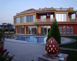 Ofok Luxury Villa