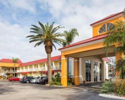 Days Inn & Suites by Wyndham Port Richey