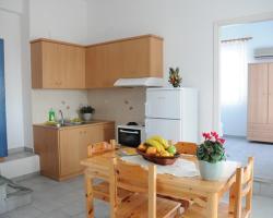 Agnadi Syrou Studios & Apartments