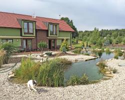 Lake View Apartments near Golf Resort Kunětická Hora, Dříteč