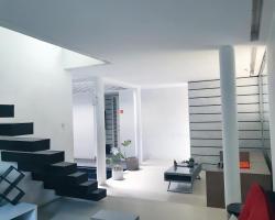 FLAT06. Minimalist Residence