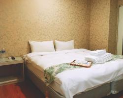 Mini Box Hotel