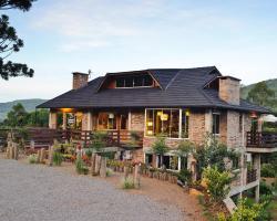 Bina's Haus Pousada, Cafeteria e Atelier