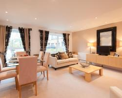 Edinburgh City Escapes by Reserve Apartments