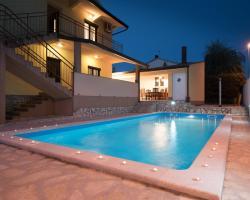 Villa Maredi with pool