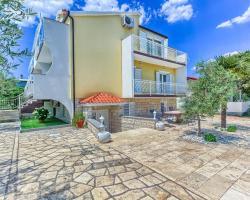 Apartments & Bungalows Ivanović