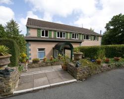 Cwmwennol Country House