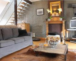 Dinelli's Guesthouse