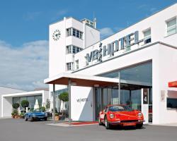 V8 HOTEL Classic Motorworld Region Stuttgart