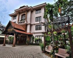 City River Hotel