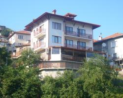 Momchil Unak Guest House