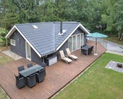 Holiday home Give 37