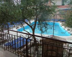 Kleoni Club Apartments