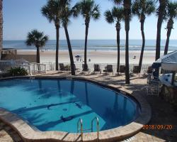 Flamingo Inn Beachfront - Daytona Beach