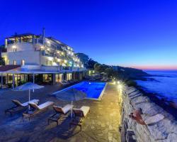 Cavos Bay Hotel & Studios
