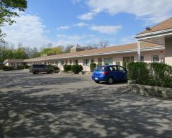 Clarkson Village Motel