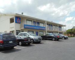 Motel 6 Denton