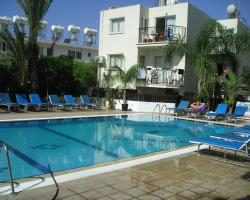 Pavlinia Hotel & Apartments