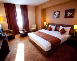 Top Rooms Aparthotel