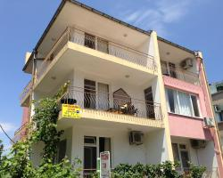 Kazlarov Guest House