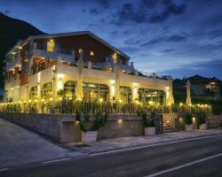 Hotel Ellena