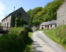 Troedyrhiw Holiday Cottages