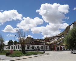Wanrun International Resort Hotel in Tibet