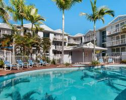 Champelli Palms Apartments