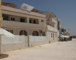 Plaza Beach Hostel