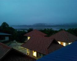 Huean Berng Nam Khong Resort