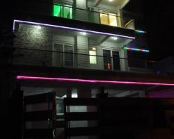 Waris Guest House Noida, Sec-30
