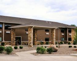Boulders Inn & Suites - Polk City