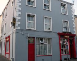 Buggle's Pub and Accommodation