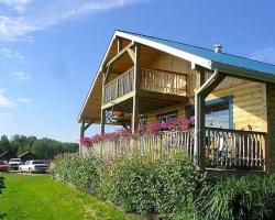 Lone Pine Ranch Bed & Breakfast & Bale