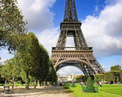 Private Apartment - Eiffel Tower View - Champ de Mars