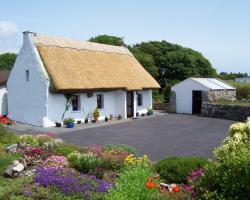 An Caladh Gearr Thatch Cottage