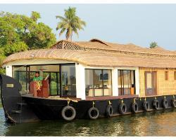 Lavender Luxury Houseboat