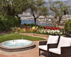 Villa Bianca Suites