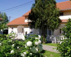 Apartmanház Mediterrán